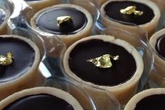gold-dessert