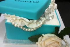 SWIRL-cales-Tiffany-ring-box-Cake-1