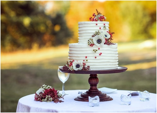 Planning a Small Wedding – From The Dress To The Cake